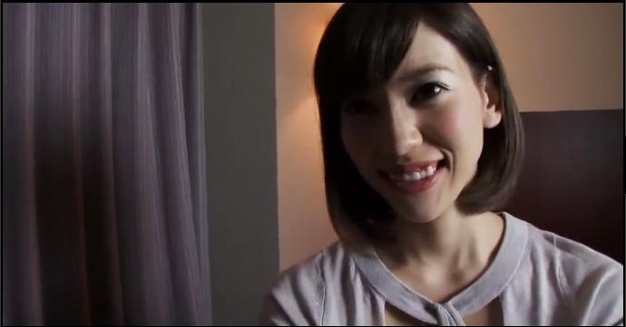 【個人撮影】【素人】スレンダーなのに巨乳で美乳、しかも凄い美人の人妻に最後は中出し!