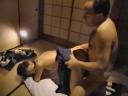 昭和エロス中年ハゲ親父が女子高生を和室で性処理人形ペット言いなり