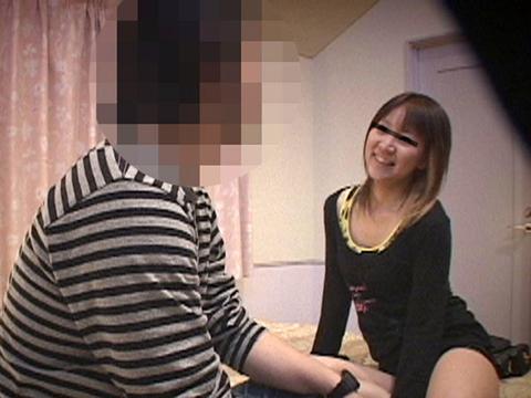 欲求不満の若妻デリヘル嬢にチンポを挿入したら乳首をビンビンにしてイキまくってます!